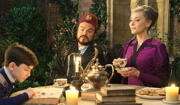 Jack Black and Cate Blanchett in 'The House with a Clock in its Walls'